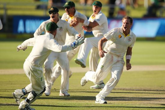 Ryan Harris celebrates as he takes the last wicket of Morne Morkel of South Africa to win the game