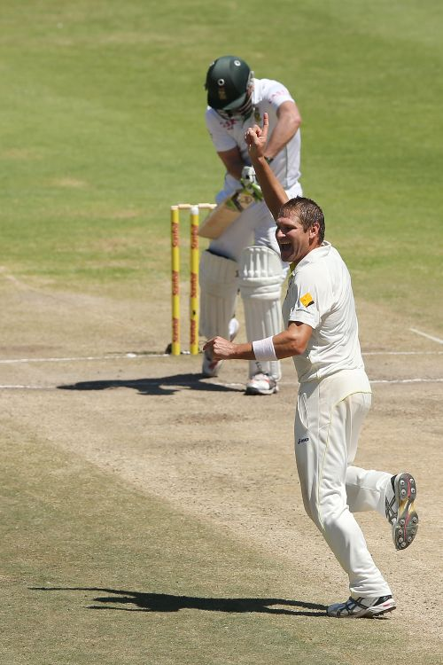 Ryan Harris of Australia celebrate after getting the wicket of AB de Villiers