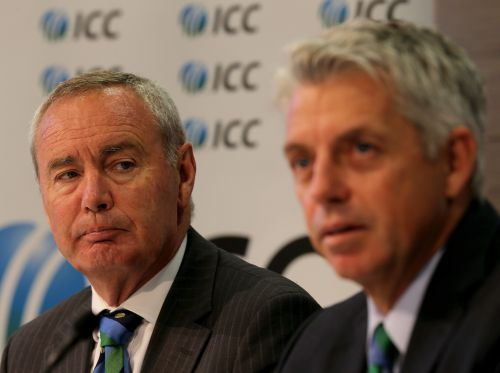 Alan Isaac (L) , President of the ICC and David Richardson (R), Chief Executive of the ICC