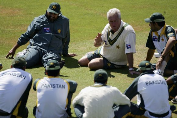 The late Pakistan coach Bob Woolmer during a practice session.