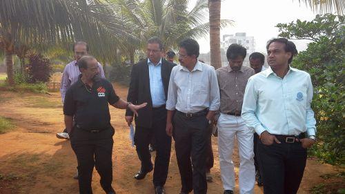 Gundappa Viswanath conducts an inspection of the facilities at the Vizag stadium