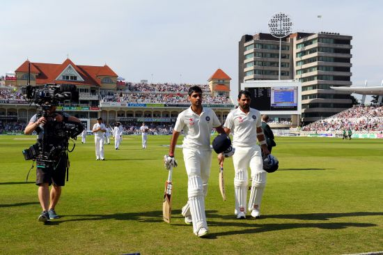 Mohammad Shami and Bhuvneshwar Kumar walk off the ground at the end of Day 2