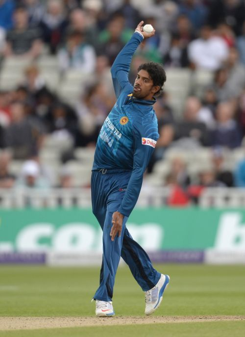 Rediff Cricket - Indian cricket - Cricket Buzz: SL spinner Senanayake banned over action