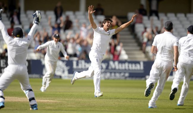 Alastair Cook celebrates after dismissing Ishant Sharma