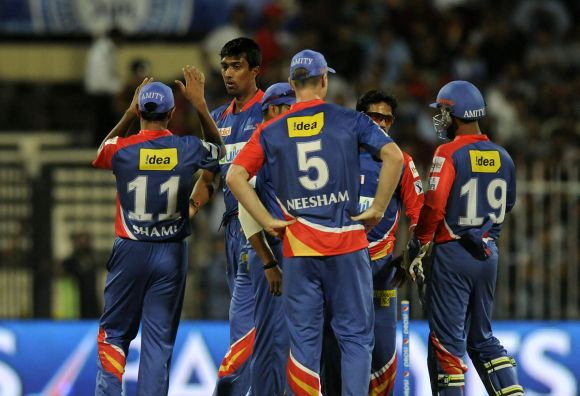 Delhi look to get campaign back on track against KKR