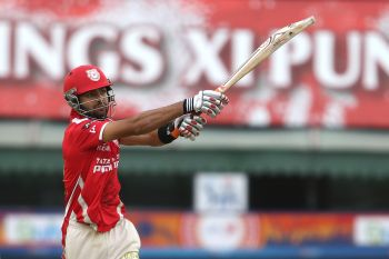 Kings XI Punjab maul Daredevils by seven wickets