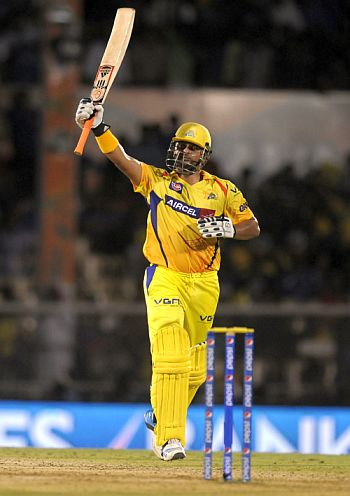Chennai crush Mumbai to set up Punjab clash in Qualifier 2