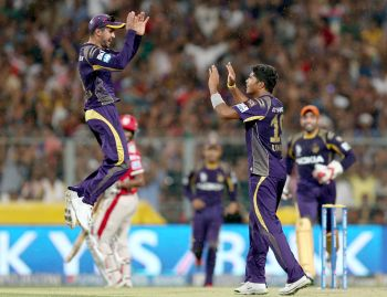 Umesh Yadav guides Kolkata into IPL final