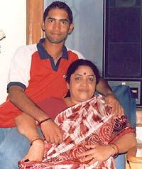 Dinesh Karthik's mom
