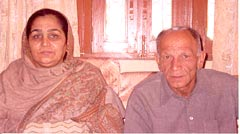 Virender Sehwag's mother Krishna Sehwag and his father Kishan Kumar