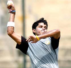 http://im.rediff.com/cricket/2005/oct/25sree.jpg