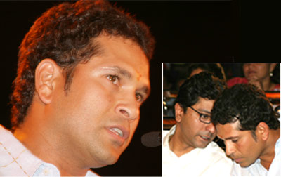 Sachin tendulkar with Raj Thackeray