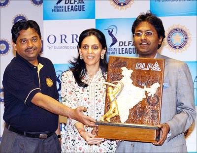 Ratnakar Shetty, designer Mona Mehta and Lalit Modi