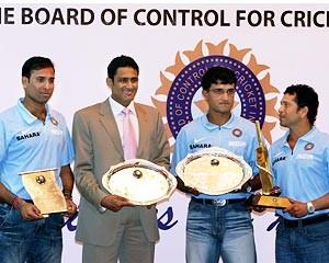 Laxman, Anil Kumble, Ganguly and Tendulkar at the felicitation function