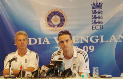 England coach Peter Moores and captain Kevin Pietersen