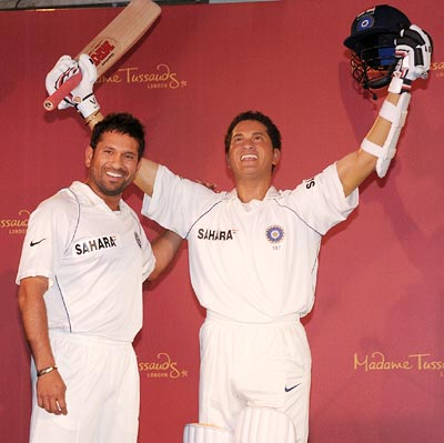 Sachin Tendulkar (left) alongside his wax figure