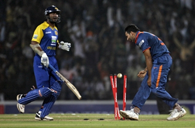Zaheer Khan celebrates the dismissal of Sangakkara