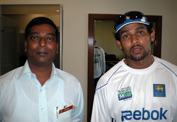 T Dilshan (right)