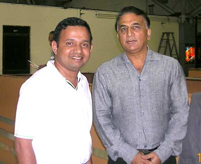 Sunil Gavaskar at Bangalore airport