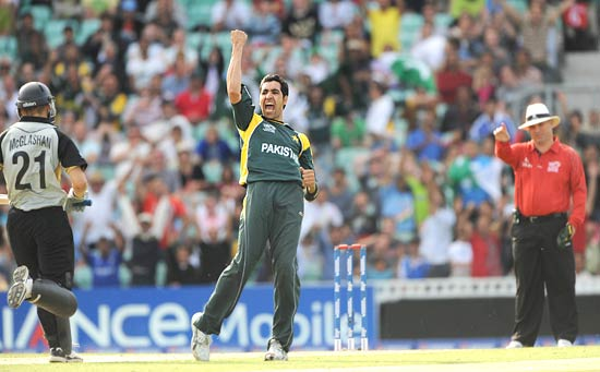 Umar Gul celebrates the wicket of Peter McGlashan