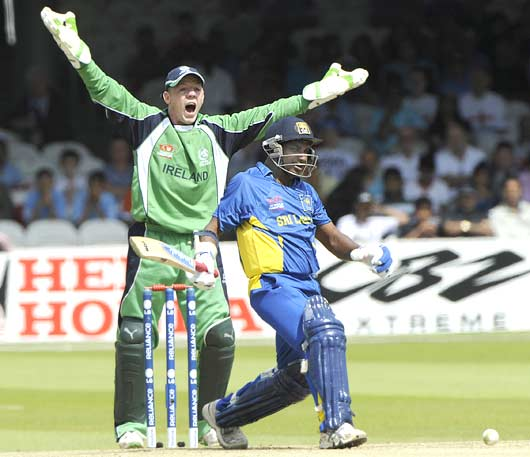 Niall O'Brien appeals for the wicket of Sanath Jayasuriya