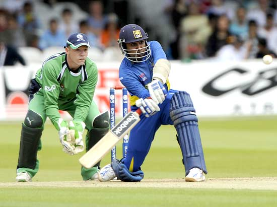 Mahela Jayawardene in command