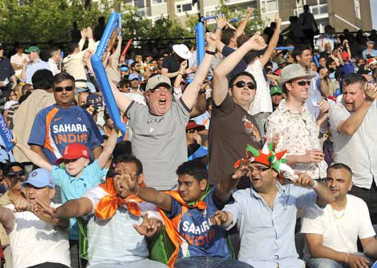Indian and English fans enjoy the match
