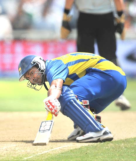 Kumara Sangakkara contributed well with 35 runs off 35 balls