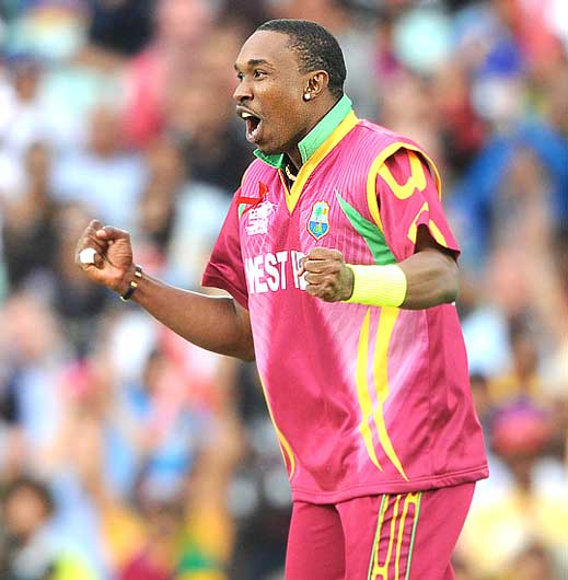 Dwayne Bravo celebrates after dismissing Kumara Sangakkara