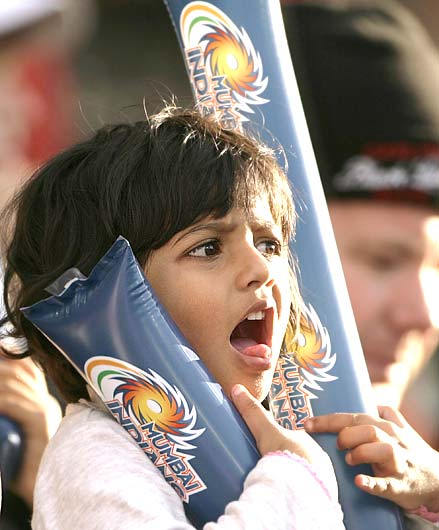 A young Mumbai Indian supporter