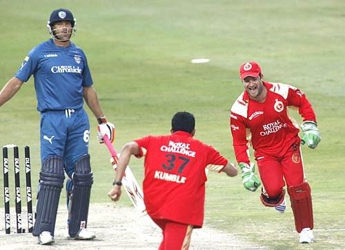 Anil Kumble celebrates with Mark Boucher after dismissing Rohit Sharma