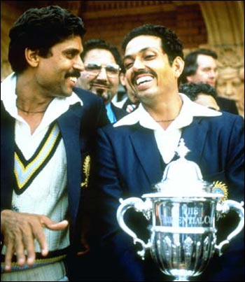 Mohinder Amarnath (right) and Kapil Dev with the 1983 World Cup trophy