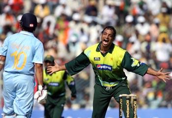 Shoaib Akhtar taunts Sachin Tendulkar