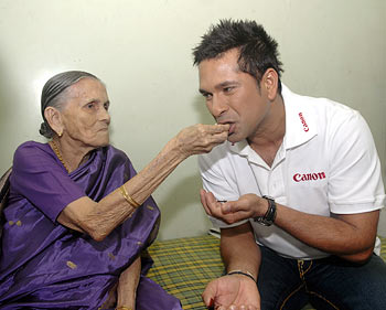 Mary Serrao with Sachin Tendulkar