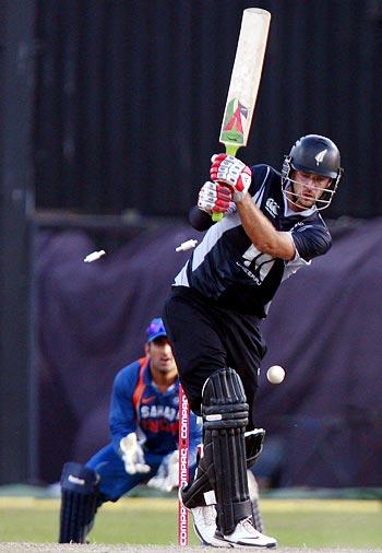 Daniel Vettori is bowled by Ishant Sharma