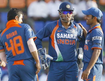 raina, dhoni and karthik