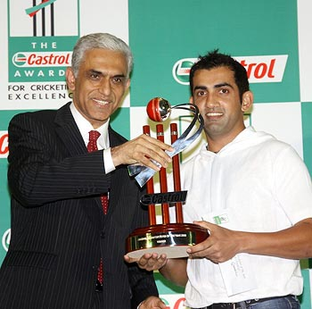 Gautam Gambhir receives the Indian Cricketer of the Year Award