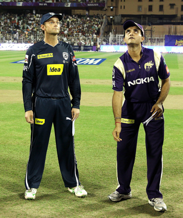Adam Gilchrist of the Chargers and Captain of the Knight Riders Sourav Ganguly at the toss
