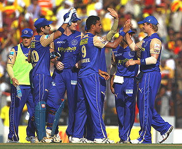 Rajasthan Royals players celebrate after dismissing Matthew Hayden