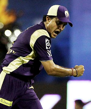 http://im.rediff.com/cricket/2010/apr/07ganguly.jpg