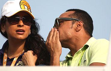 Juhi Chawla (left) and Rahul Bose