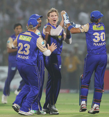 Shane Watson celebrates after picking up Sanath Jayasuriya