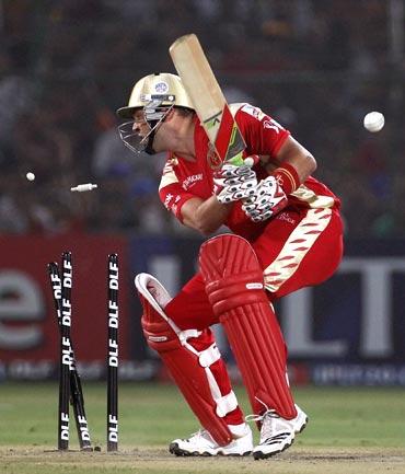 Jacques Kallis is bowled by Kamran Khan