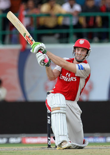Shaun Marsh hits a six