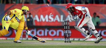 Kumar Sangakkara stumps Murali Vijay