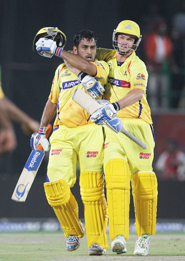 MS Dhoni celebrates after hitting the winning runs