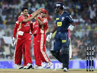 Anil Kumble picks up Pragyan Ojha