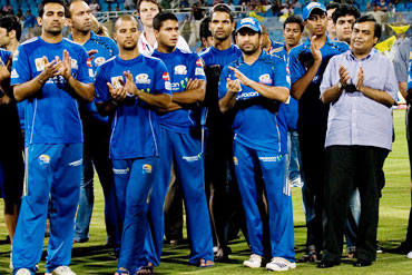 Sachin Tendulkar and Mukesh Ambani dejected after the match