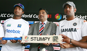 ICC Cricket World Cup 2011 Tournament Director Shetty with Kumar Sangakkara and MS Dhoni