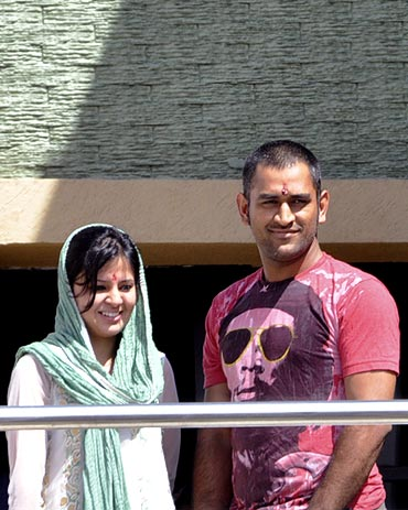 Mahendra Singh Dhoni with his wife Sakshi